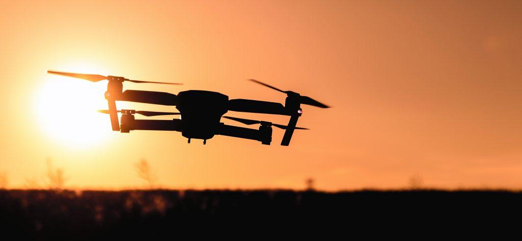 drone en el horizonte